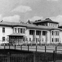 Архитектура массовых культурно-бытовых зданий СССР. 1941—1954