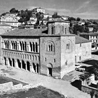 Церковь св. Софии в Охриде. 9 век., перестроена около 1037 - 1050 гг.