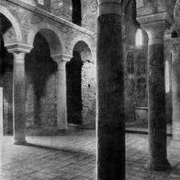 Церковь св. Феодора монастыря Бронтохий в Мистре. Конец 13 века. Внутренний вид