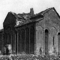 Кафедральный собор в Ани. 989-1001 гг. Вид с юго-востока
