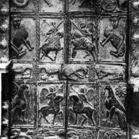 Резная дверь церкви св. Николая в Охриде. Дерево. 13 век (?)