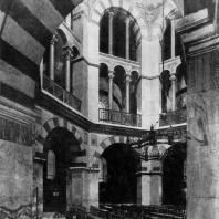 Аахенская капелла. Внутренний вид. 795 - 805 гг.