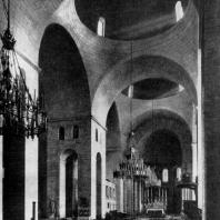Церковь Сен Фрон в Перигё. 1120-1179 гг. Внутренний вид