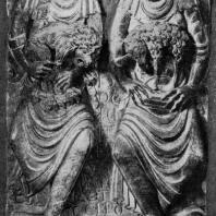 Аллегорические фигуры со знаками зодиака (львом и овном). Рельеф из церкви Сен Сернен в Тулузе. 1-я половина 12 в. Тулуза, Музей