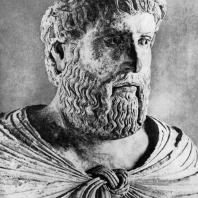 Бюст канцлера Пьетро делла Винья. Мрамор. 13 век. Капуя, Музей Кампано
