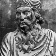 Бенедетто Антелами. Статуя пророка Иезекииля на фасаде собора в Борго Сан Доннино. 2-я половина 12 века