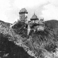 Замок Карлштейн. Начат в 1348-1365 гг. Общий вид
