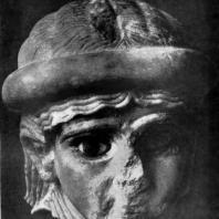 Женская голова из Ура. Мрамор. Время III династии Ура. 31—22вв. до н. э. Филадельфия. Музей