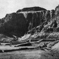 Заупокойный храм царицы Хатшепсут в Деир-эль-Бахри. XVIII династия. Около 1500 г. до н. э.