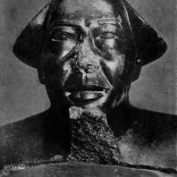 Голова статуи Монтуэмхета. Гранит. XXV династия. Около 670 г. до н. э. Каир. Музей