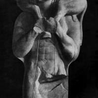 Мосхофор (человек, несущий теленка) с Афинского акрополя. Мрамор. Около 570 г. до н. э. Афины. Музей Акрополя