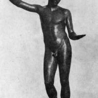 Статуя юноши. Найдена в море близ Марафона. Бронза. Середина 4 в. до н. э. Афины. Национальный музей