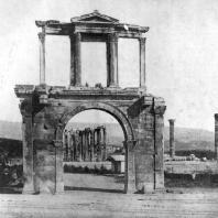 Арка Адриана в Афинах. Около 130 г.