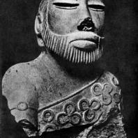 Статуэтка жреца из Мохенджо-Даро. Стеатит. 3000—2000 гг. до н. э.